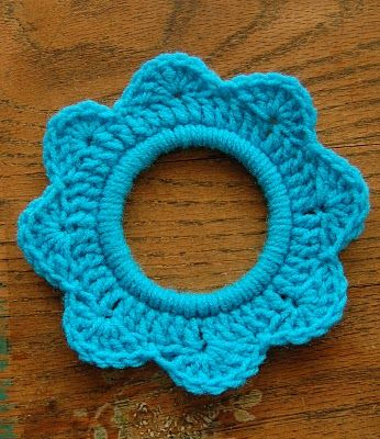 make a crochet flower ring