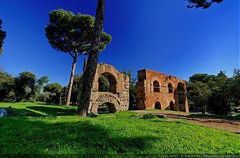 Acqua-Claudia-sur-le-Mont-Palatin---Rome $