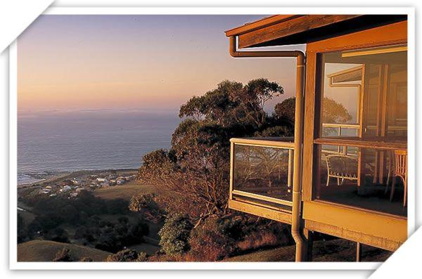 Accommodation | Chris's Restaurant & Villa Accommodation Apollo Bay