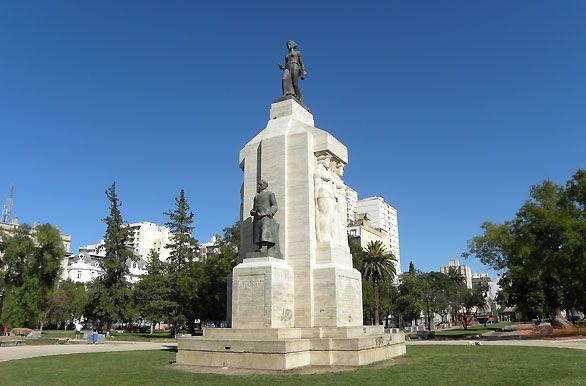 Monumento Plaza Rivadavia - Bahía Blanca, Autor: Jorge González