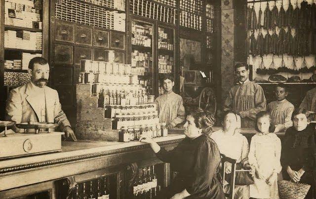 Comercios históricos de Valencia: Tienda de comestibles de Pedro Nadal. Calle Pascual y Genís nº 8