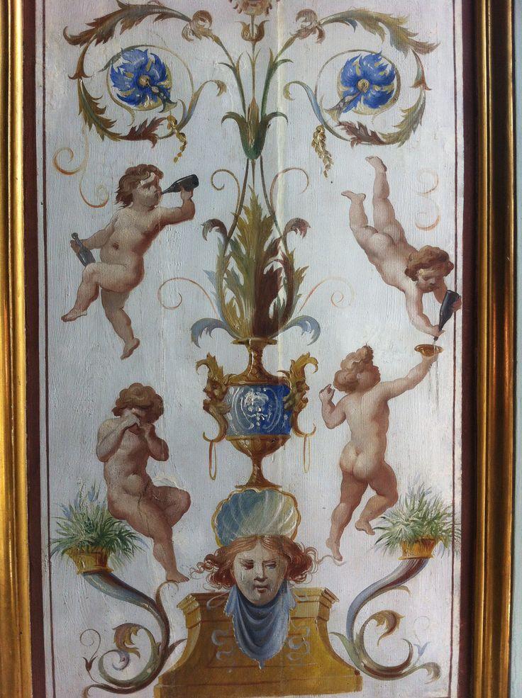 Villa Farnesina a Roma, Italia Grottesche con Putti danzanti tra bicchieri di vino