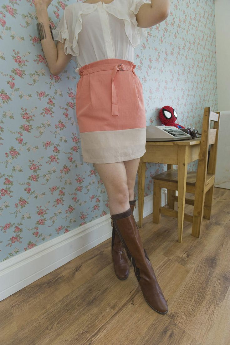 2 coloration waist banding skirt from Kakuu Basic. Saved to Kakuu Basic Skirts. Shop more products from Kakuu Basic on Wanelo.