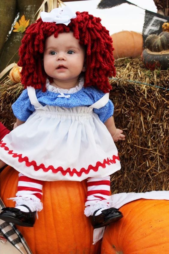 Raggedy Ann baby costume, Best Halloween costumes for kids, DIY kids costumes, easy kids costumes to make, adorable and cute Halloween costumes for toddlers and infants, Halloween party ideas