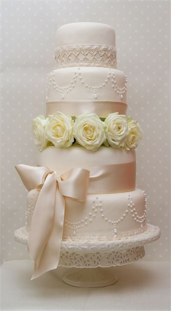 Cream Satin - Daisy Chain Cake Company