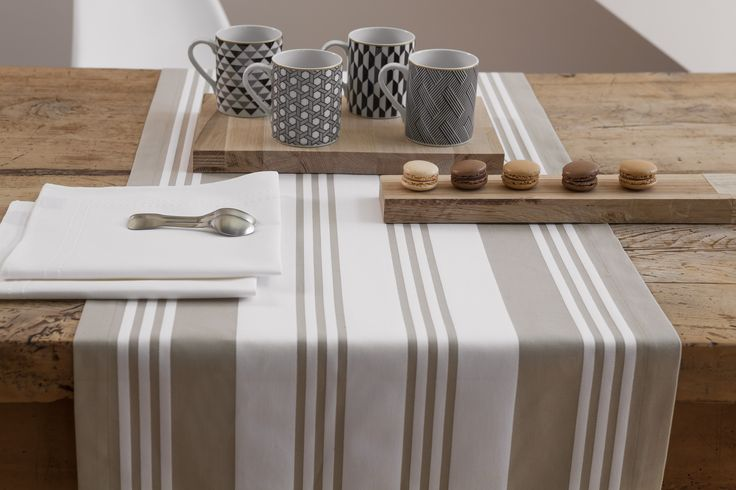Chemin de table Maia Blanc >> www.jean-vier.com