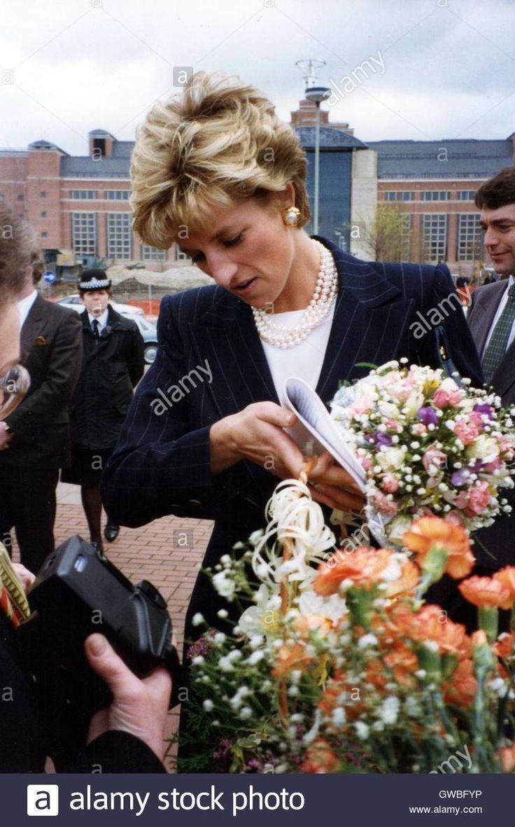 Princess Diana visits West Yorkshire Playhouse Theatre, Leeds April 1993 Stock Photo