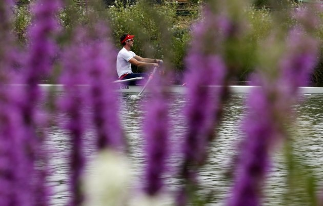 Britain's Alan Campbell trains for the single sculls at Eton Dorney in preparation for the London 2012 Olympic Games near London, July 27, 2012.