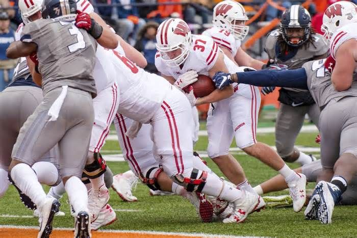 Badgers football: Wisconsin overcomes Jonathan Taylor's injury, offensive struggles to remain undefeated After another sluggish start Saturday at Illinois, the University of Wisconsin football team looked to its star freshman ... game with a left leg injury on UW's next drive, leaving its offense severely hampered in an ugly, 24-10 victory at Memorial ...