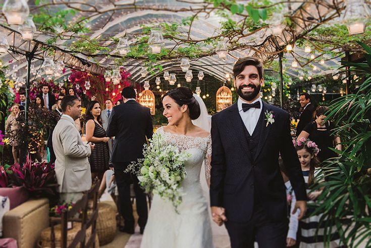 Confira o casamento completo de Thaísa e Léo no EuAmoCasamento.com! #euamocasamento #NoivasRio. Foto de Juliana Pessoa Fotografia.