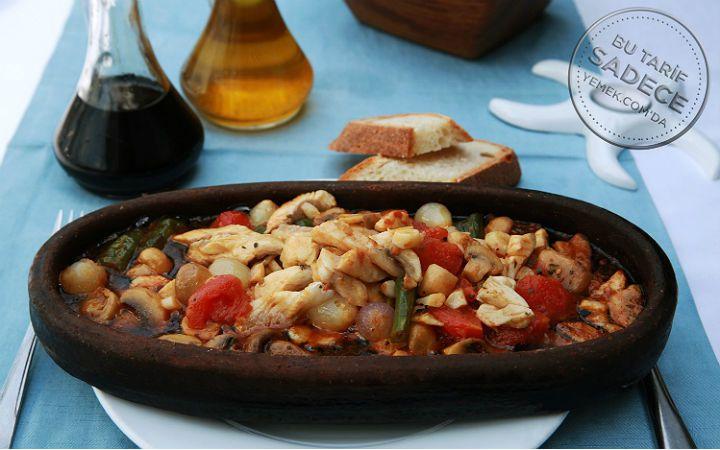 Balık Osman'a özel sezonun birbirinden lezzetli balık ve deniz ürünleri ile hazırlanan tarifler ile misafirlerinizi ağırlayabilirsiniz.