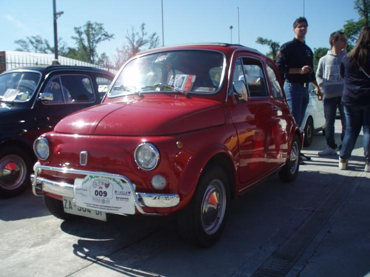 Fiat 500l red