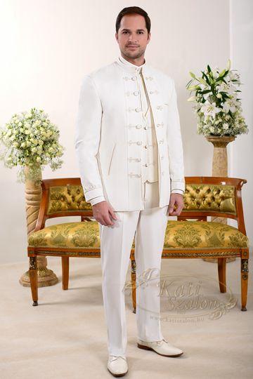 K 32-elegáns, ekrü bocskai férfi öltöny