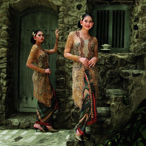 FASHION AND ART DECO: KEBAYA, THE INDONESIAN TRADITIONAL DRESS