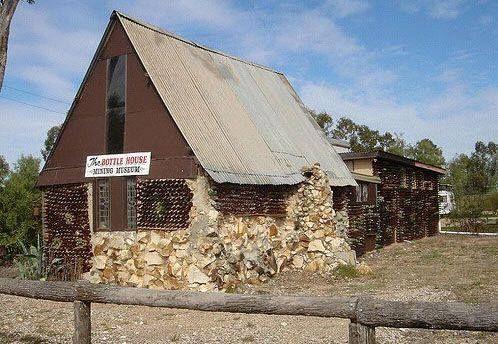 Old Bottle House in Lightning Ridge.