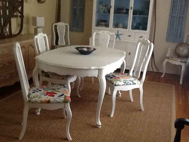 DIY dining table and chairs $20 Reupholstered chairs and ...