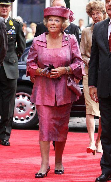 Queen Beatrix Photo - Queen Beatrix at Leiden University