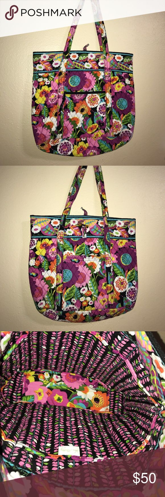 Vera Bradley tote bag Va Va Bloom pattern Used and has slight fading on handles. Retired pattern. Comes from a smoke-free home. Feel free to message me. Vera Bradley Bags Totes