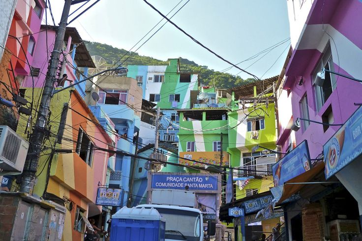 Brushing up Rio's slums for the World Cup with Favela painting ...