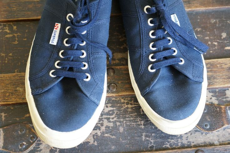 best men's travel sneakers reviewed europe vacation comfort style