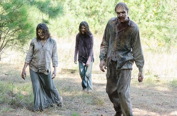 the-walking-dead-spinoff-series-would-feature-the-same-zombie-apocalypse-in-a-different-time-and-setting.jpg (580×381)