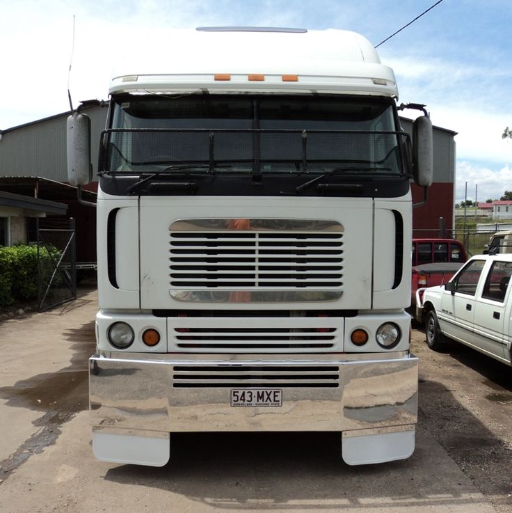 Freightliner Argosy Texan Style Bumper fups with custom slots