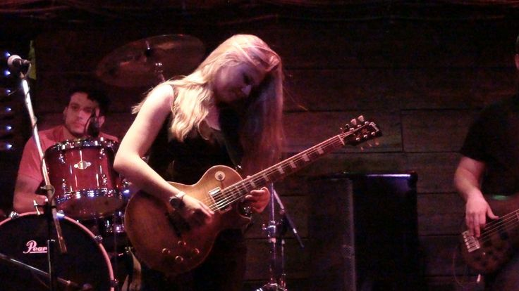 Night of Blues at Knuckleheads in KC Mo. June 28, 2013, featuring Joanne Shaw Taylor and out of the crowd comes Mike Zito and Samantha Fish. For England's ow...