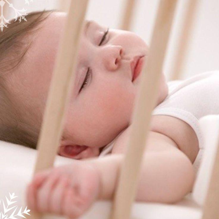 Nuestro colchón para cuna acolchado esta diseñada para que tu bebé se sienta acunado, cómodo y seguro a la hora de dormir. Toral ¡Le damos la bienvenida a la vida! ! Cómpralo en nuestra tienda virtual http://bebetoral.com/detalleitem.php?id_producto=48&id_categoria=1
