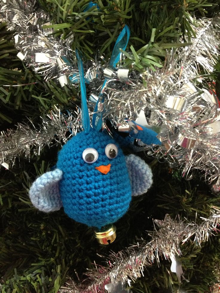 Completed Christmas ornament bird using bittersweetblog pattern