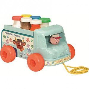 Le Petit laitier Fisher Price.Ré-édition du camion du laitier réé par Fisher Price en 1965.Un jouet à tirer indémodable! La tête du petit laitier bouge de gauche à droite et émet un petit son de grelot lorsque le camion roule.Six bouteilles amovibles sont incluses.Dimensions : 21x16x17 cm.A partir de 12 mois.