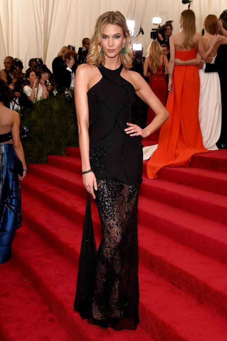 Karlie Kloss in Versace...simple elegance...   - HarpersBAZAAR.com