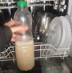 Une recette BIO pour votre lave-vaisselle... - le jus de 3 gros citrons- 250 grammes de sel fin- 1/2 litre d'eau- 300 ml de vinaigre blanc