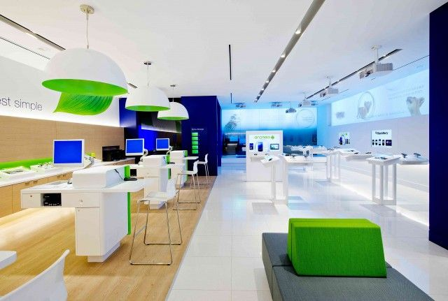 TELUS Next Generation store opens in Laval, Québec - with live devices | MobileSyrup.com
