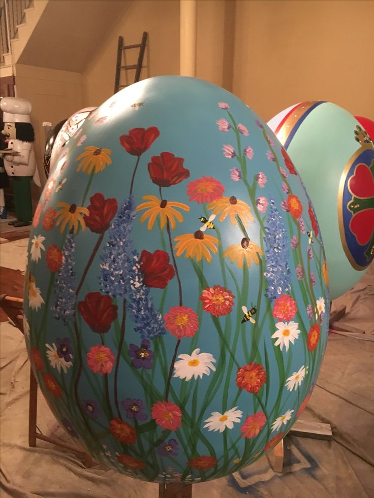 """""""An Eggcellent Canvas"""" giant egg painted by Franciscan University student Christine Venditti. Located at the Downtown Bakery"""