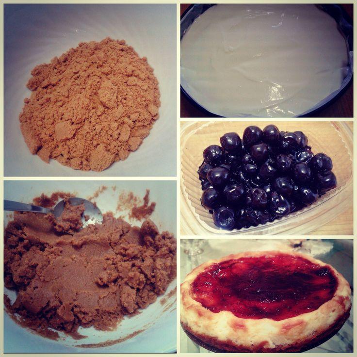 Come fare la Cheesecake con philadelphia... http://www.lovecooking.it/dolci/cheesecake-con-philadelphia/
