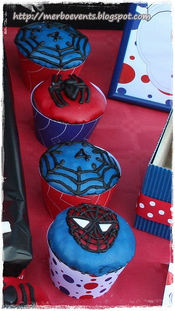 wrappers cupcakes2. Kit de fiesta spiderman. Merbo events by Merbo Events, via Flickr