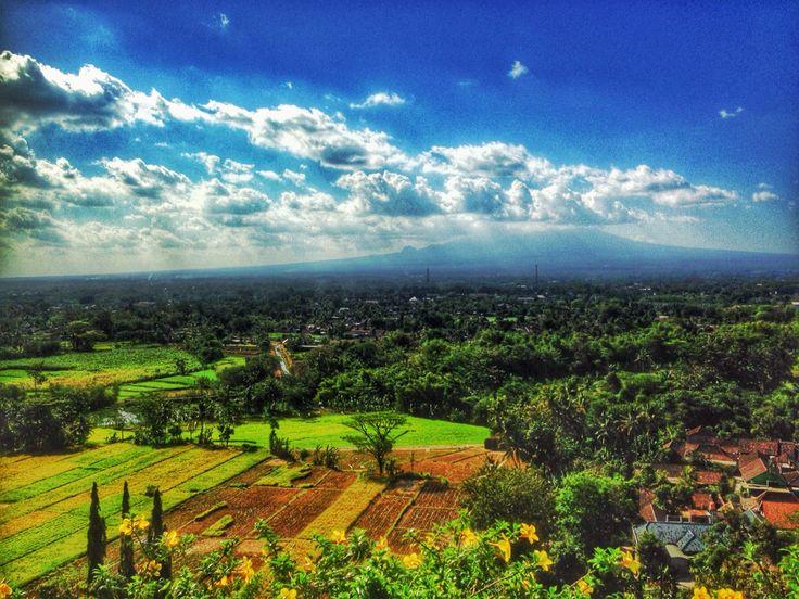 Mount Merapi seen from Ratu Baka temple