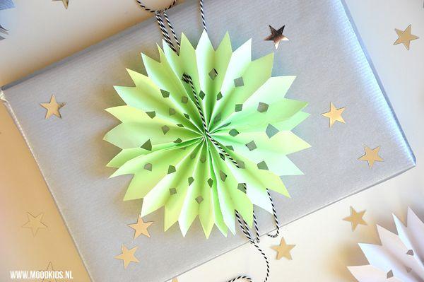 Sterren Van Papier Maken Voor Op Je Cadeautjes Papier Maken Knutselen Met Papier Zelf Cadeaupapier Maken