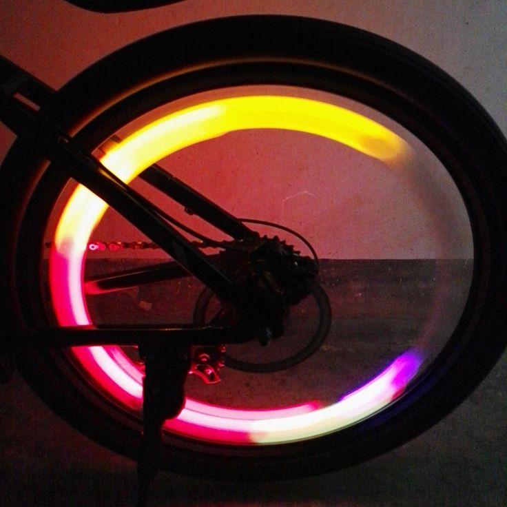 New Bicycle Wheel Light with Battery Bike Wheel Light  Waterproof Bike Spoke Light 2016 Bicycle Accessories Free Shipping