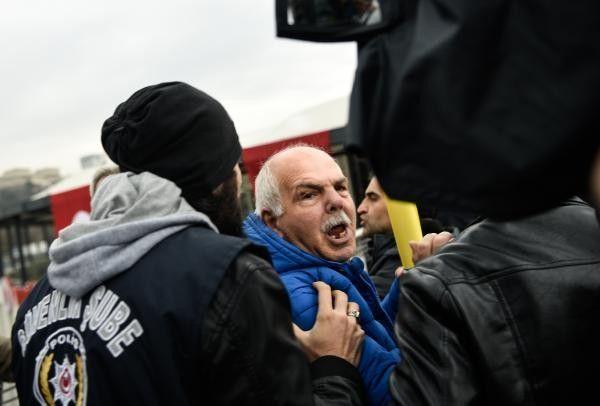 Saldırının Gerçekleştiği Yere Çelenk ve Karanfil Bırakan Konsoloslar Protesto Edildi
