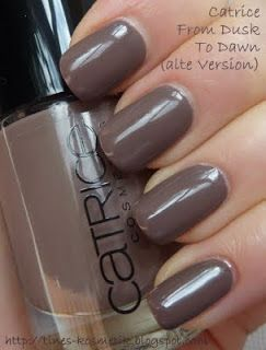 From Catrice: From Dusk to Dawn (old version). A greyish brown with just a little purple in it. Not a simple brown- so full of life. Great for every day. (Tines Kosmetikblog)