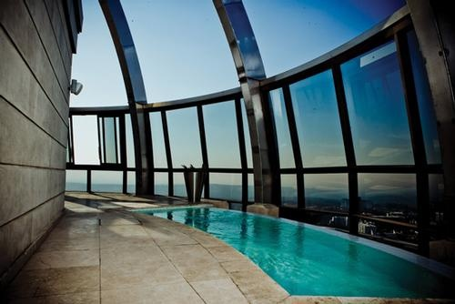 Michelangelo Towers Swimming pool