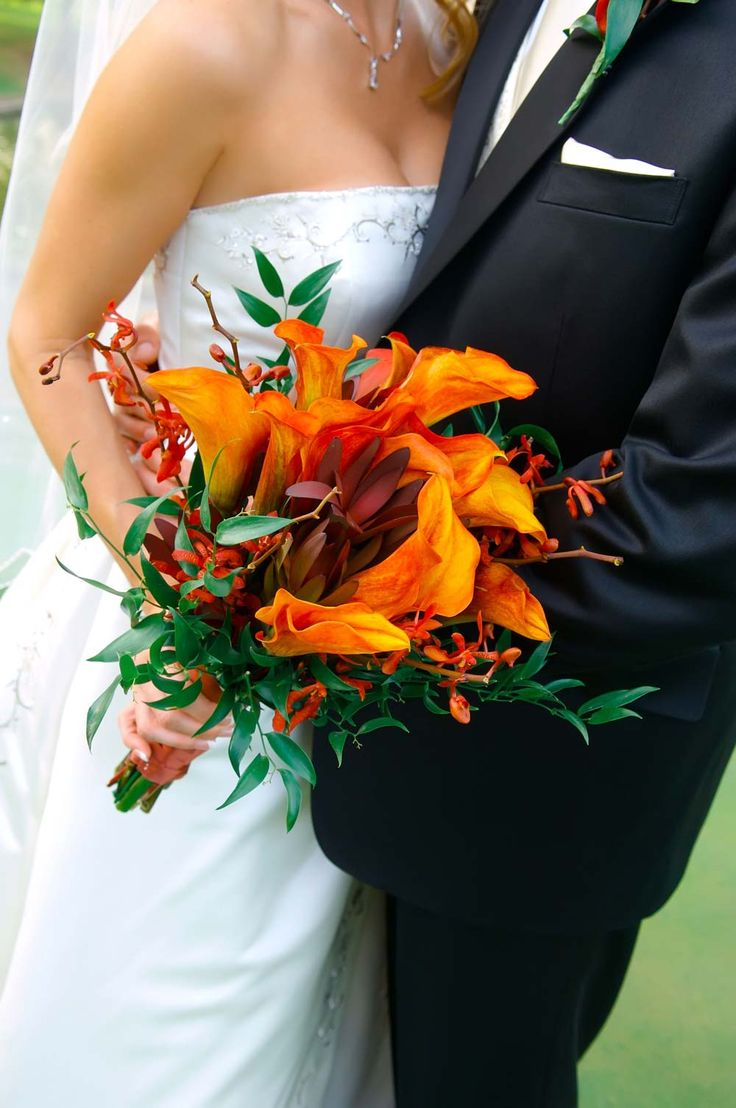 Fall Wedding, Autumn colours, jewel tones, Red, Burgundy, Wine Red, Forest Green, Royal Blue, Metals, Burnt Orange, Tangerine, Pumpkin, Rich tones
