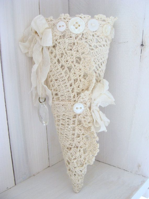Vintage Lace Cone Victorian Tussie Mussie Wedding Cone White Christmas Romantic Chic Lace Tussy Mussy Shabby French Country Cottage Style
