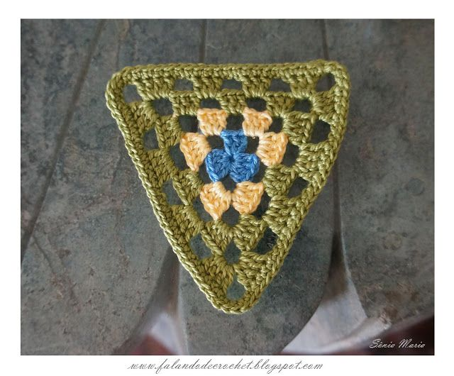 TRIANGULO DE CROCHE (CROCHET TRIANGLE)