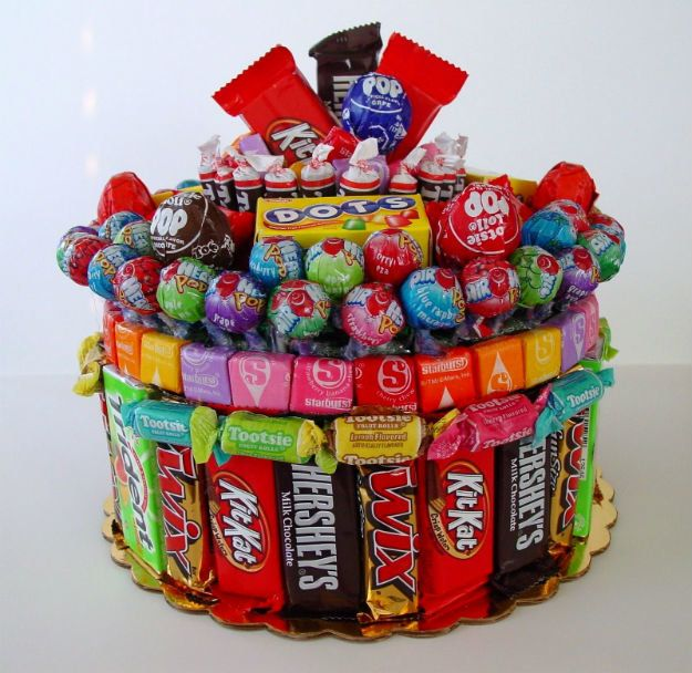 Christmas Gifts! Candy Cake ( literally ;-p ) | http://diyready.com/28-diy-gifts-for-your-girlfriend-christmas-gifts-for-girlfriend/