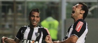 Pratto dá adeus, Elias estreia e Galo vence Joinville pela 1ª Liga (Futura Press)