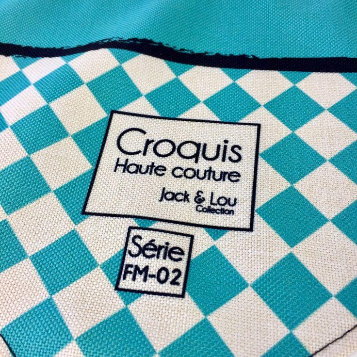 Le chouchou de ma boutique https://www.etsy.com/ca-fr/listing/500183930/foulard-pour-chiengrandeur-moyenboutons