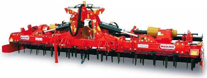 Σβολοκόπτης Ιταλίας MASCHIO GABBIANO, πτυσσόμενος (αναδιπλούμενος), ιδανικός για μεσαίες και μεγάλες φάρμες. Διαθέτει στοιβαρή κατασκευή, αξιοπιστία και σχετικά μικρό βάρος. Ο σβολοκόπτης MASCHIO Gabbiano είναι κατάλληλος για ελκυστήρες 120HP-240HP