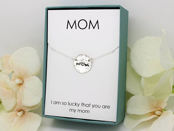 #giftsformoms #giftformom #mommynecklace #initialnecklace #mothersday #bestmom